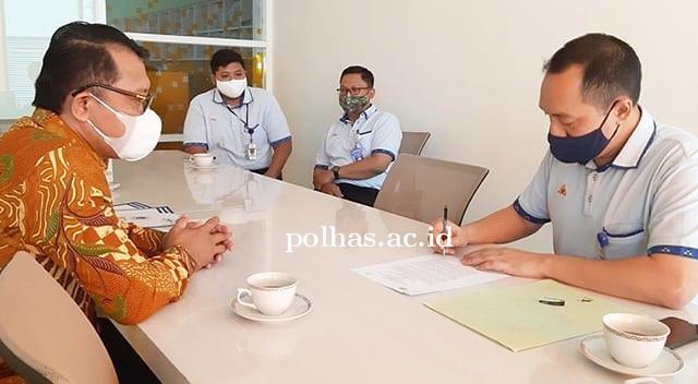 Penandatanganan Perjanjian Kerjasama PT.Sri Rejeki Isman Tbk dan Politeknik Harapan Bangsa Surakarta